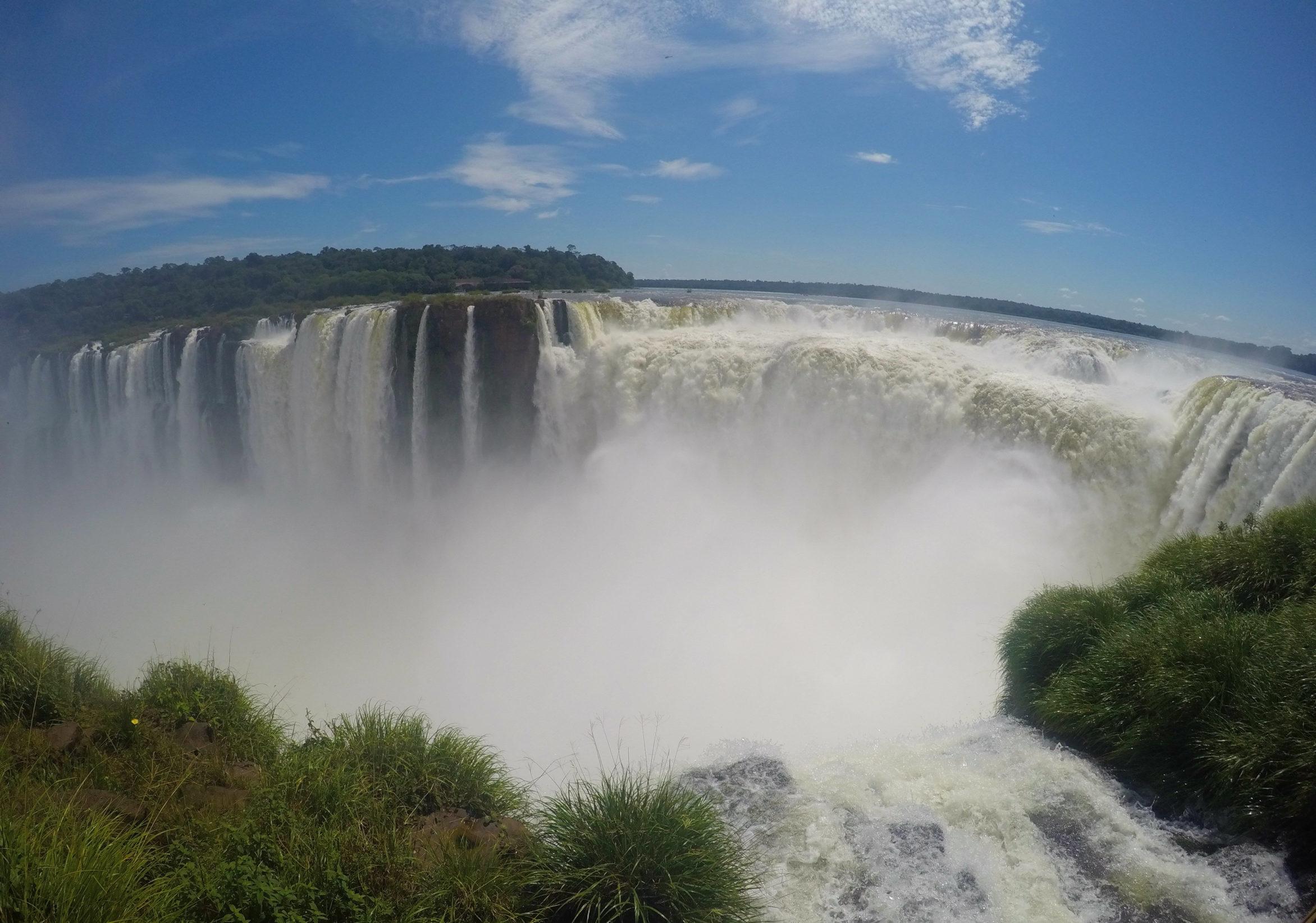 Cataratas do Iguaçu  visitando o lado argentino be1c1564f386