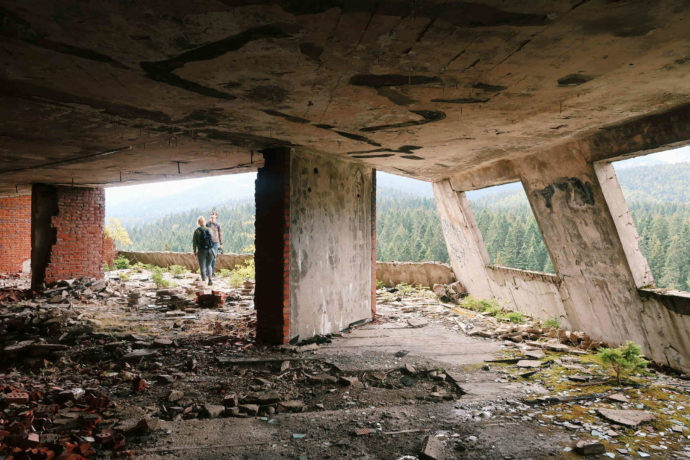 hotel abandonado em sarajevo