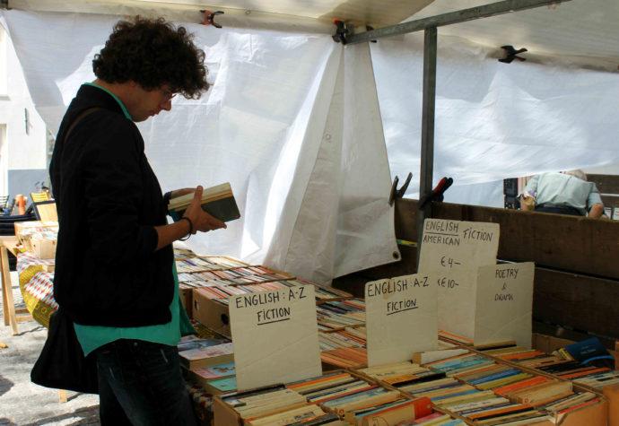 livros na praça spui