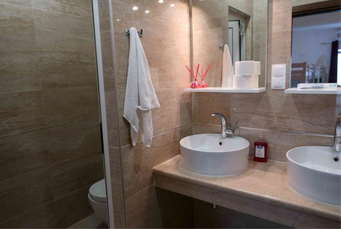 banheiro da hospedagem em dubrovnik