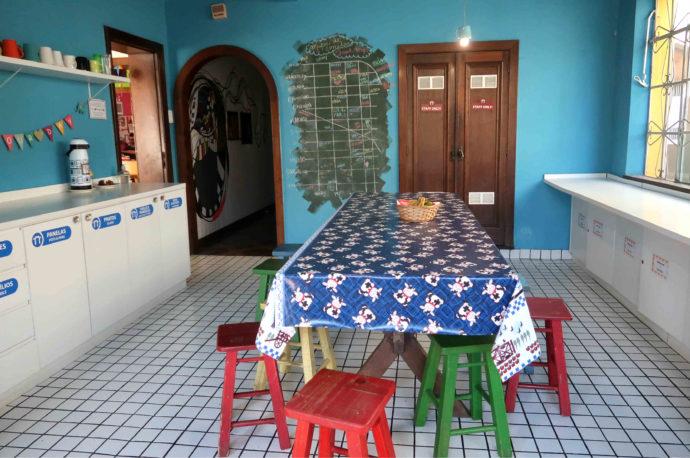 cozinha do hostel motter home