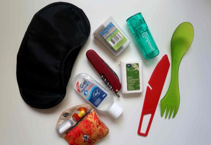 objetos úteis para viagem que levo na necessaire