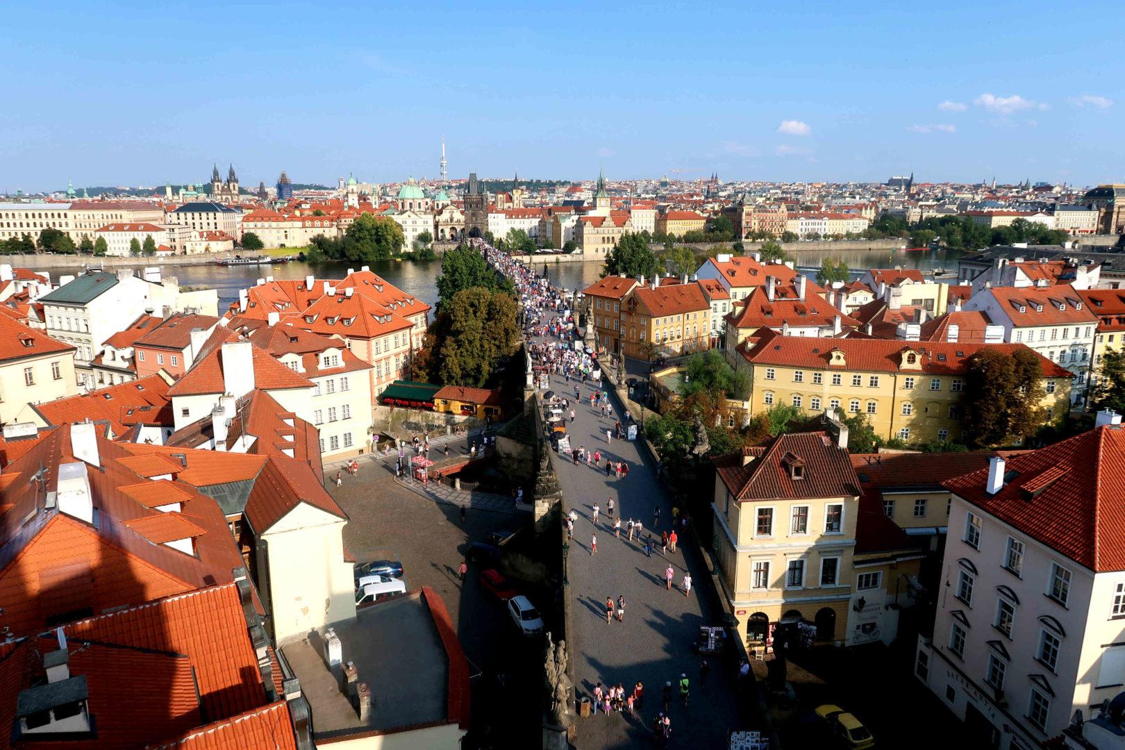 Día 1: Visitamos el castillo de Karlstejn y llegada a la ciudad de Praga