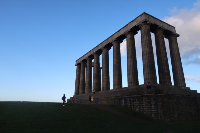 monumento no calton hill em Edimburgo