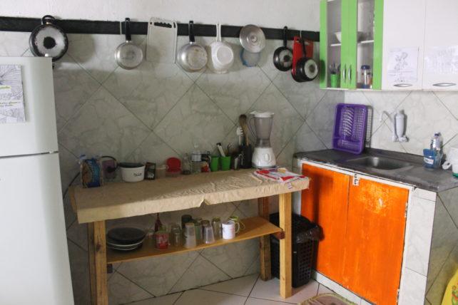 cozinha coletiva da casa mangamel em lençóis
