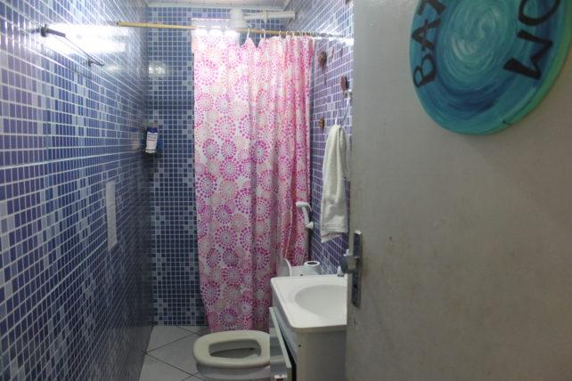 banheiro da casa mangamel em lençóis