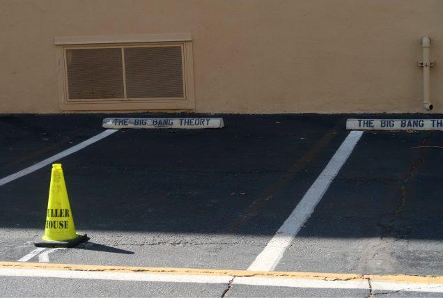 vagas de estacionamento de big bang theory