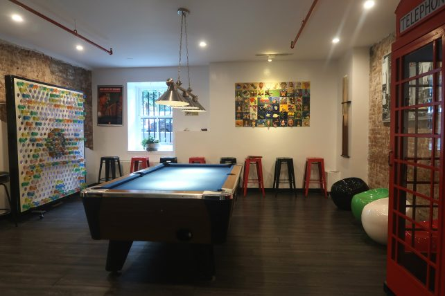 área comum do hostel em nova york