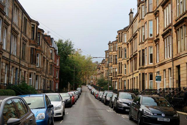 rua no westend em glasgow