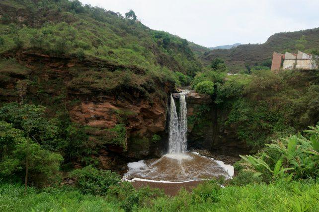 cachoeira no caminho