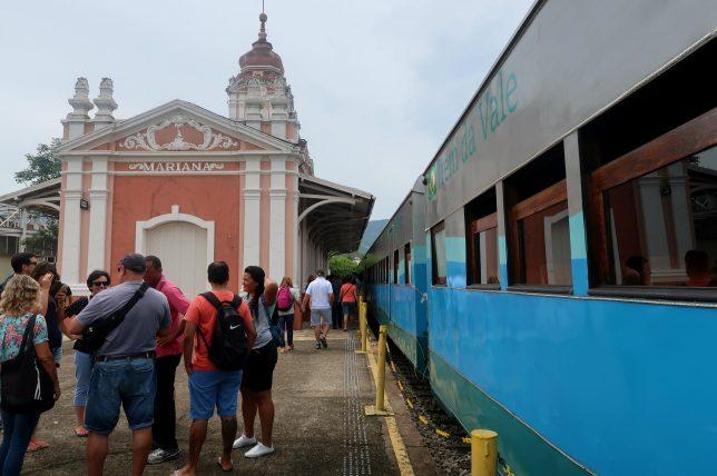 estação de trem em mariana