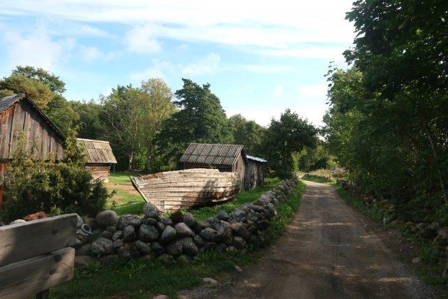 rua em prangli island, na estônia