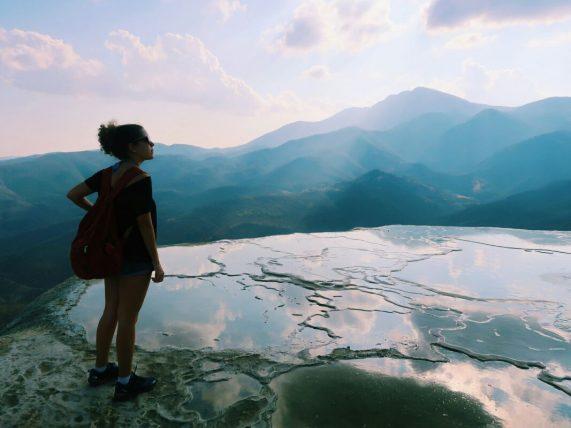 como ajudar mulheres a viajar mais