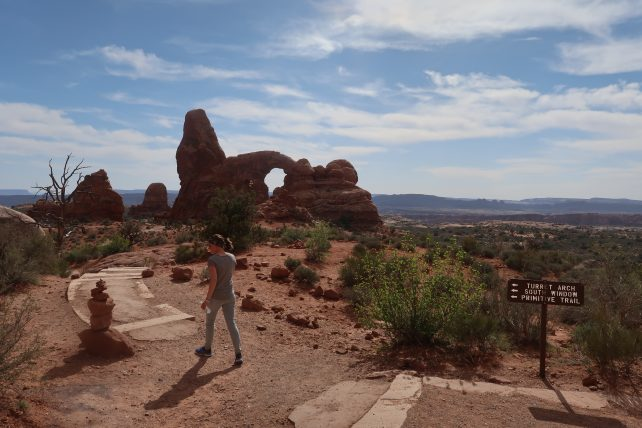 trilha no the arches national park