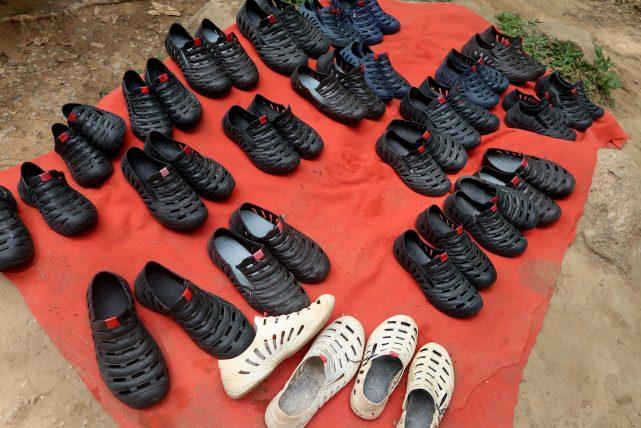 sapatos para prática de rapel