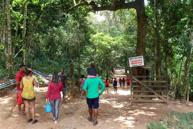 entrada para a cachoeira