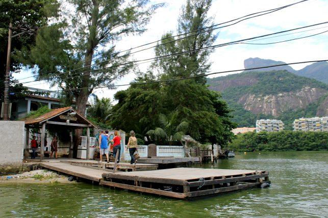 plataforma de embarque na ilha da gigoia