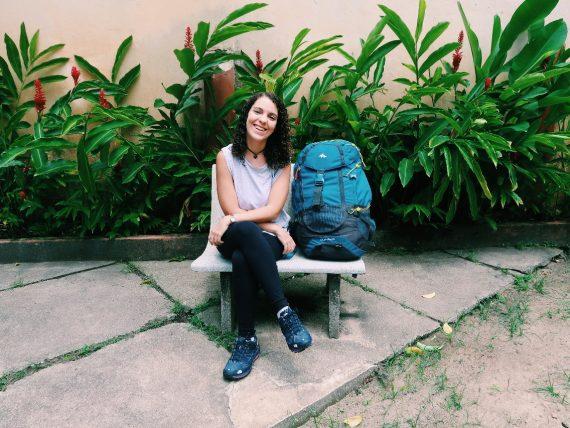 viajante com mochilão