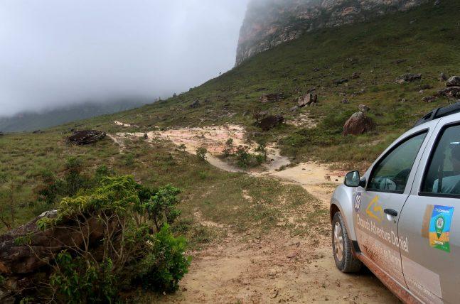 carro da chapada adventure no início da travessia no guiné