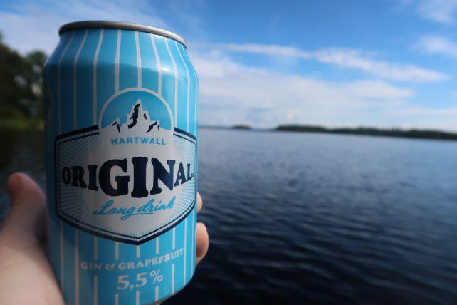 lata de original, bebida finlandesa com gin e grapefruit
