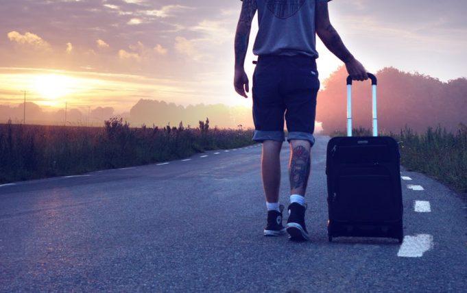 dicas de segurança para quem viaja só