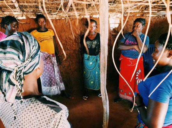 depois do curso do amani institute, jessica foi trabalhar na áfrica