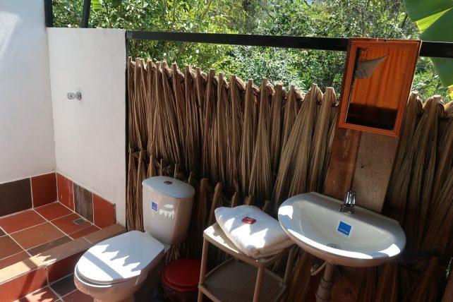 banheiro do bangalô