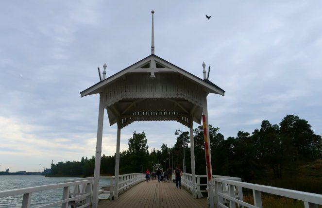 ponte que leva à ilha