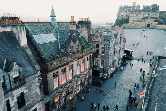 viajar sozinha para a escócia