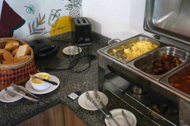 café da manhã no local hostel em manaus