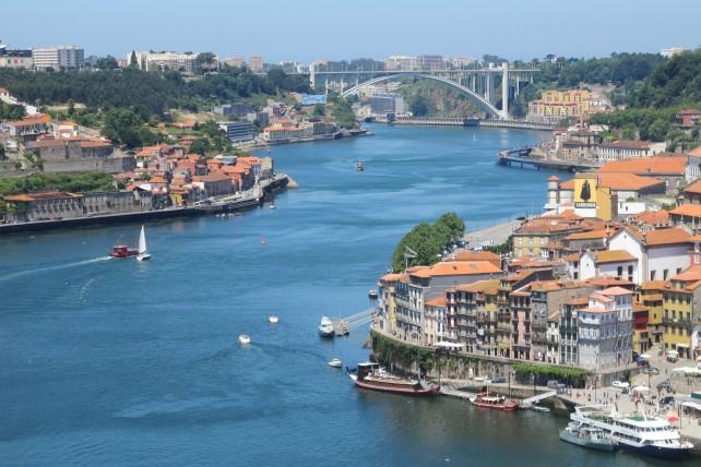 viajar sozinha para portugal