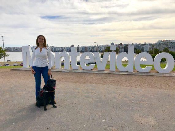 viajar sozinha com deficiência visual: mellina reis em montevidéu