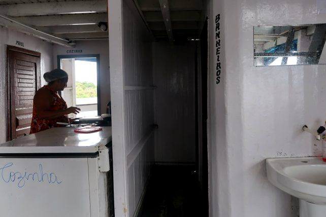 barco de recreio de manaus a nova esperança