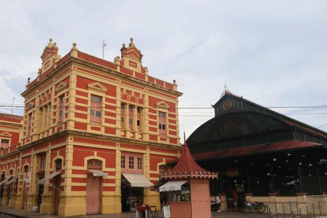 mercado municipal no passeio guiado em manaus