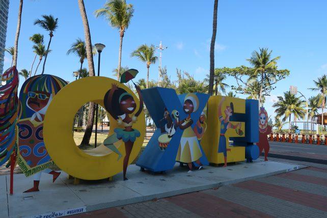 turismo alternativo no recife - letreiro oxe