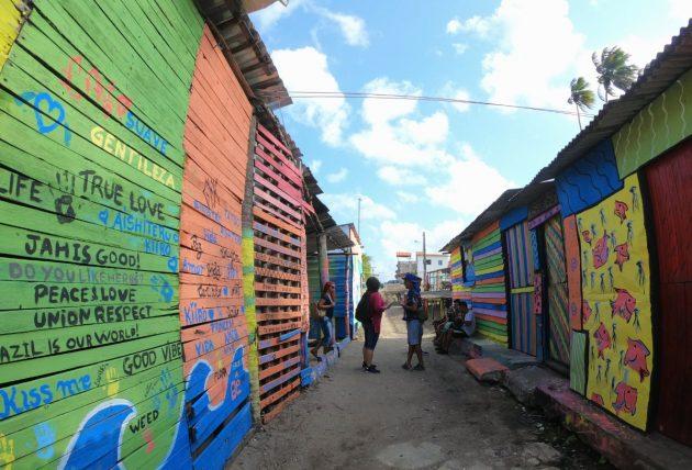 casas coloridas em itapissuma