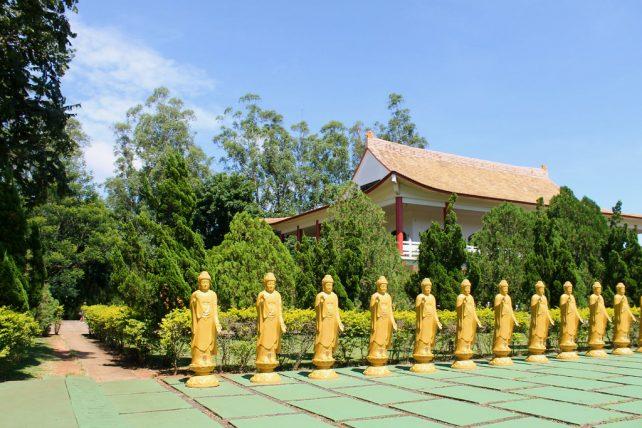 o templo budista é uma das razões para visitar foz do iguaçu