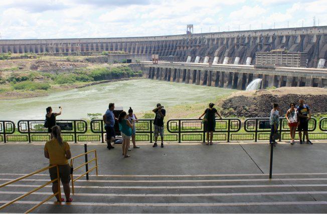 Barragem da Usina de Itaipu em Foz do Iguaçu