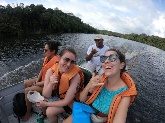 com o barqueiro orlando do juma amazon lodge
