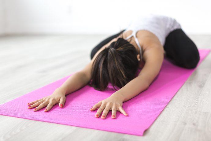 exercícios e yoga ajudam a administrar a ansiedade