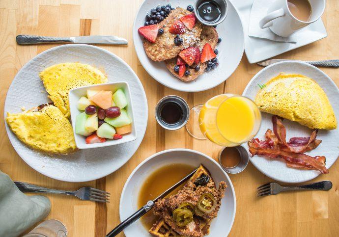 café da manhã especial de aniversário