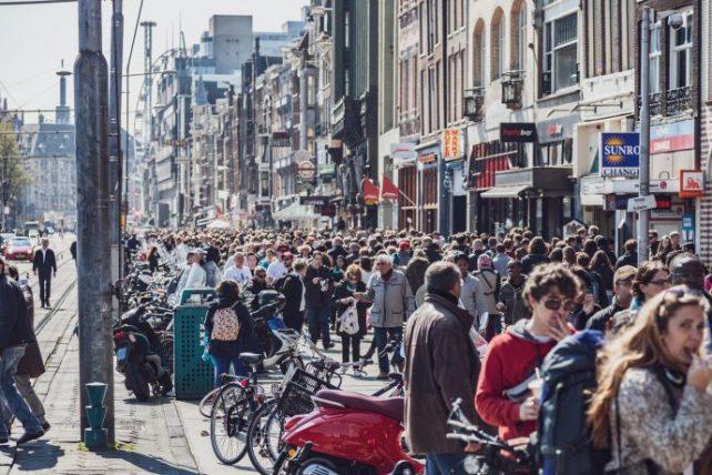 efeitos negativos do turismo de massa