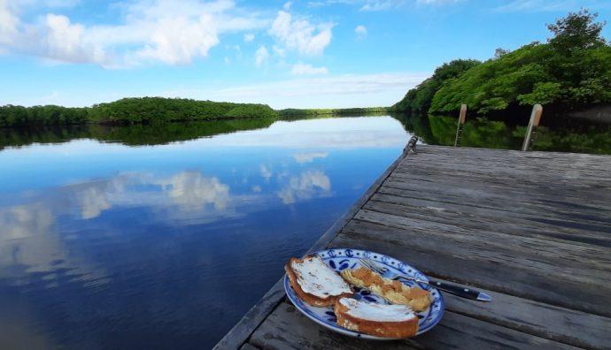 café da manhã na beira do rio joão de tiba