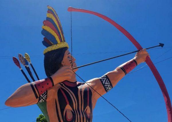 monumento indígena em coroa vermelha