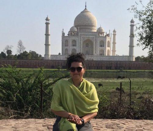 talita viajando sozinha na índia